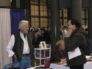Robert Culp chats with a fan