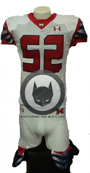superman-vs-batman-football-jersey-315x600