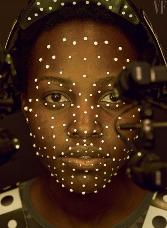 VF-Star-Wars-The-Force-Awakens-Lupita-Nyongo-as-Maz-Kanata