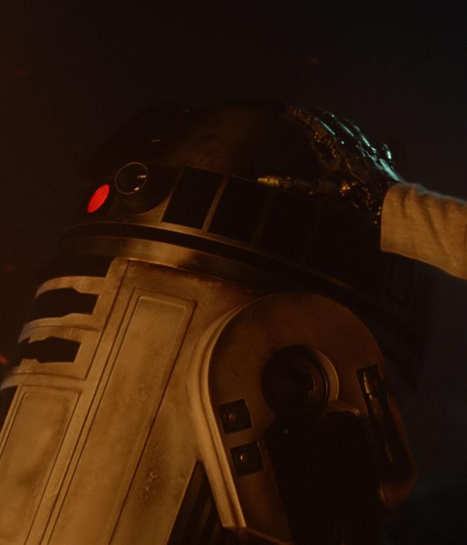 Force-Awakens-Luke-R2
