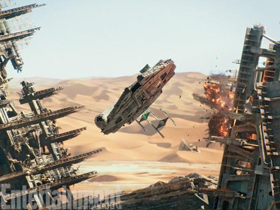 millennium-falcon-star-wars-force-awakens-02