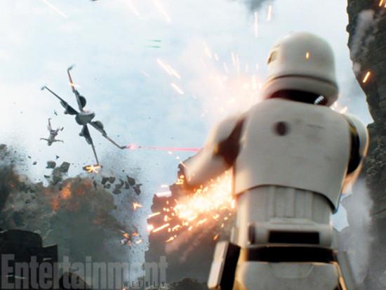 trooper-v-x-wing-star-wars-force-awakens